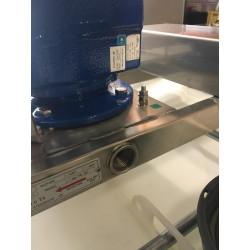 Système d'insertion de liquide pendant l'agitation